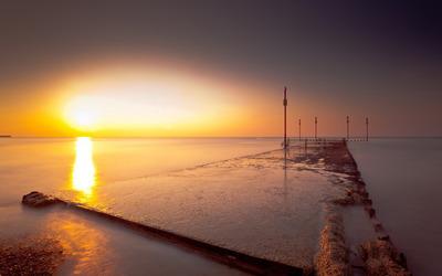 Sunset on the pier wallpaper
