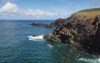 Waves splashing in the rocky shore wallpaper 2560x1600 jpg