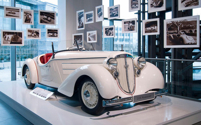1935 Audi Front 225 Roadster in a museum wallpaper