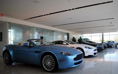 2005 Aston Martin Vantage wallpaper