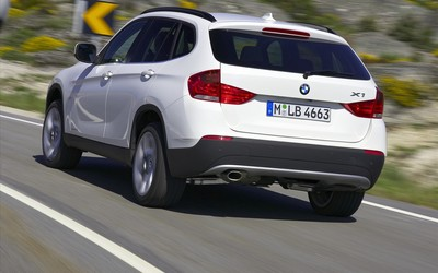 2010 BMW X1 wallpaper