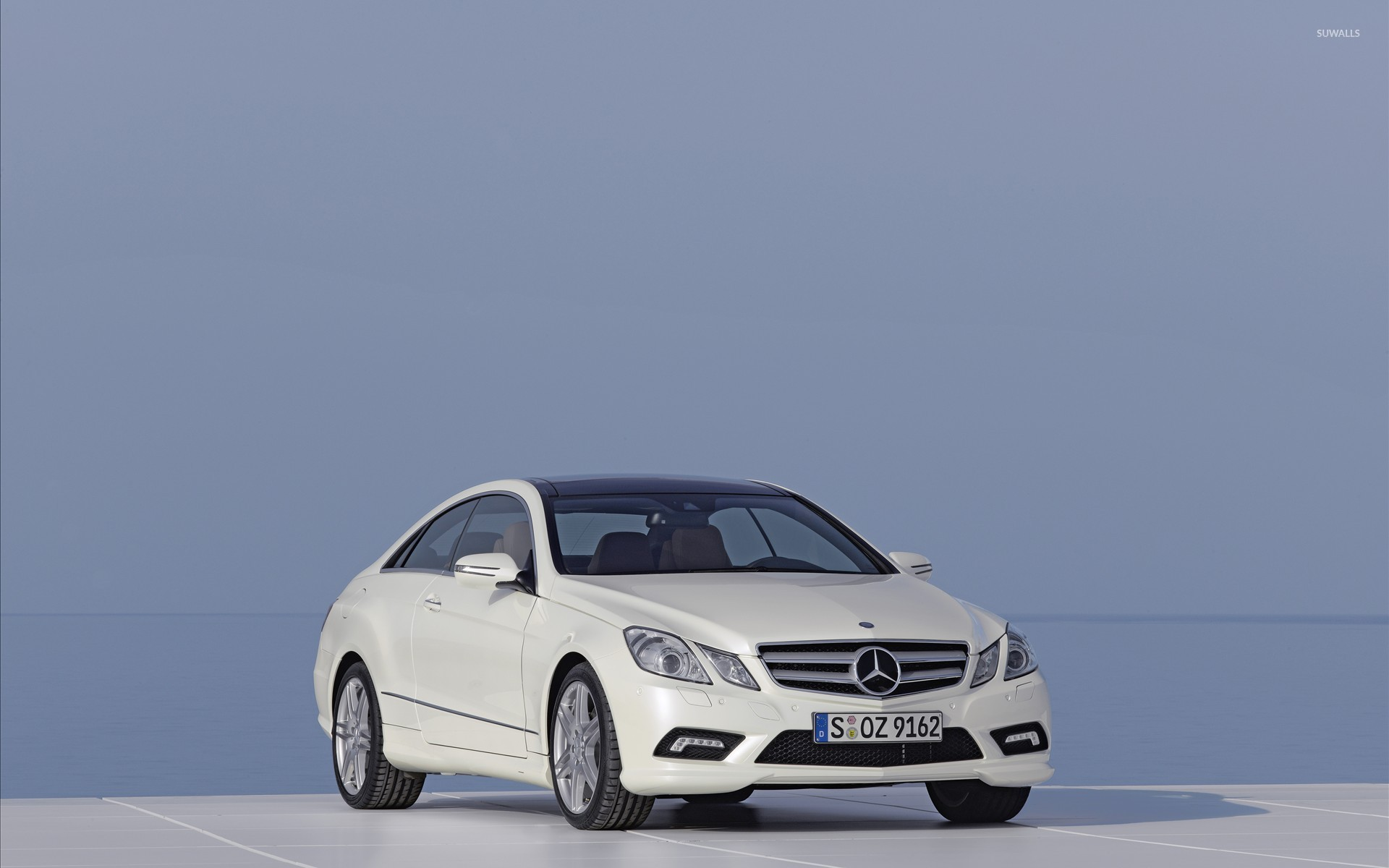 2010 mercedes benz e class coupe wallpaper car. Black Bedroom Furniture Sets. Home Design Ideas