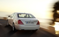 2010 Mercedes-Benz S400 BlueHybrid wallpaper 1920x1200 jpg