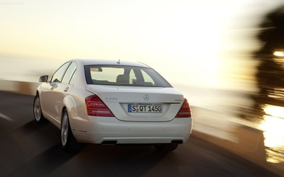 2010 Mercedes-Benz S400 BlueHybrid wallpaper