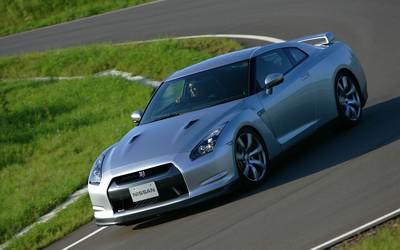 2010 Nissan GT-R wallpaper