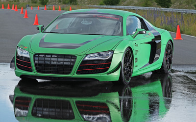 2012 Green Racing One Audi R8 front view wallpaper