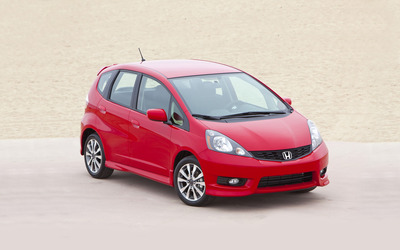 2012 Honda Fit wallpaper