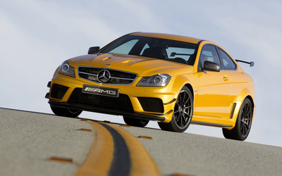 2012 Mercedes-Benz C63 AMG wallpaper
