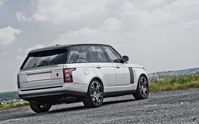 2013 A Kahn Design Land Rover Range Rover on a country road wallpaper