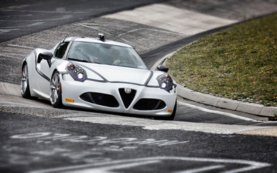 2013 Alfa Romeo 4C wallpaper