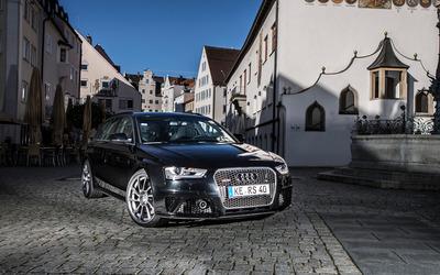 2013 Audi RS4 Avant wallpaper
