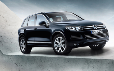 2013 Black Volkswagen Touareg Edition X wallpaper