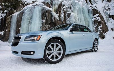 2013 Chrysler 300 Glacier wallpaper
