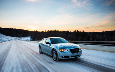 2013 Chrysler 300 Glacier [2] wallpaper