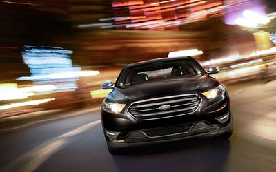 2013 Ford Taurus wallpaper
