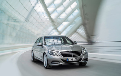 2013 Mercedes-Benz S400 wallpaper