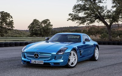 2013 Mercedes-Benz SLS AMG GT wallpaper