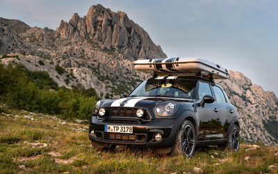 2013 MINI Cooper Countryman ALL4 wallpaper