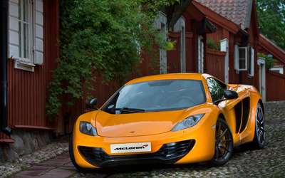 2013 Orange McLaren MP4-12C front view wallpaper