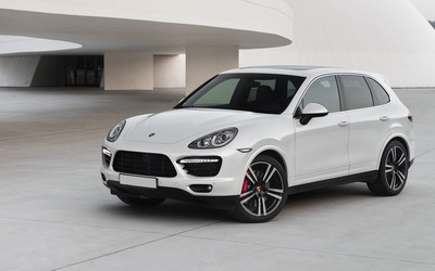 2013 Porsche Cayenne Turbo S wallpaper