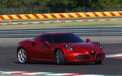 2014 Alfa Romeo 4C [9] wallpaper