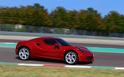 2014 Alfa Romeo 4C [12] wallpaper