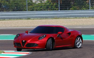 2014 Alfa Romeo 4C [8] wallpaper