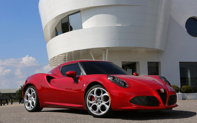 2014 Alfa Romeo 4C [3] wallpaper