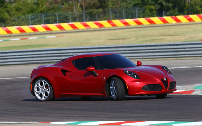 2014 Alfa Romeo 4C [10] wallpaper