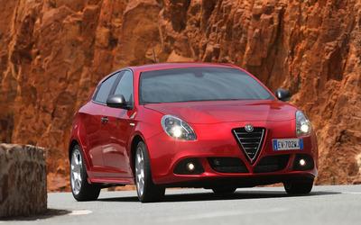 2014 Alfa Romeo Giulietta [25] wallpaper