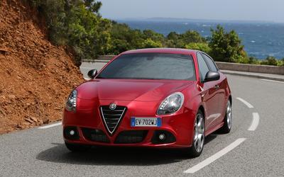 2014 Alfa Romeo Giulietta [23] wallpaper