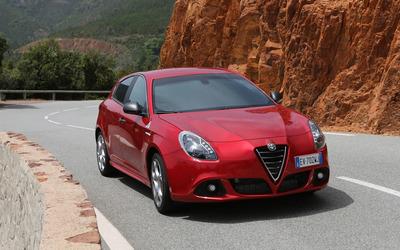 2014 Alfa Romeo Giulietta [32] wallpaper