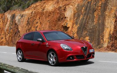 2014 Alfa Romeo Giulietta [16] wallpaper