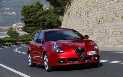 2014 Alfa Romeo Giulietta [17] wallpaper