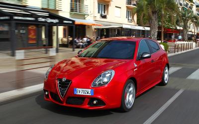 2014 Alfa Romeo Giulietta [9] wallpaper