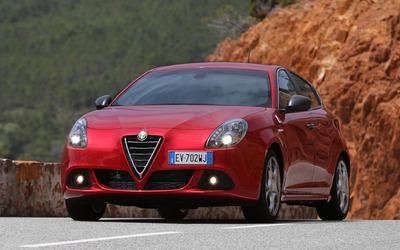 2014 Alfa Romeo Giulietta [29] wallpaper