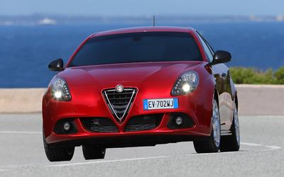 2014 Alfa Romeo Giulietta [35] wallpaper