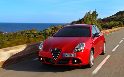 2014 Alfa Romeo Giulietta [30] wallpaper