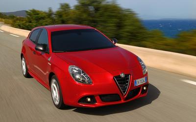 2014 Alfa Romeo Giulietta [31] wallpaper