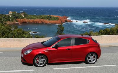 2014 Alfa Romeo Giulietta [14] wallpaper