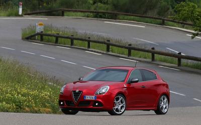 2014 Alfa Romeo Giulietta [28] wallpaper