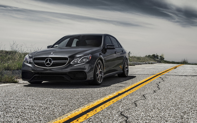 2014 Black Mercedes-Benz E-Class front view wallpaper