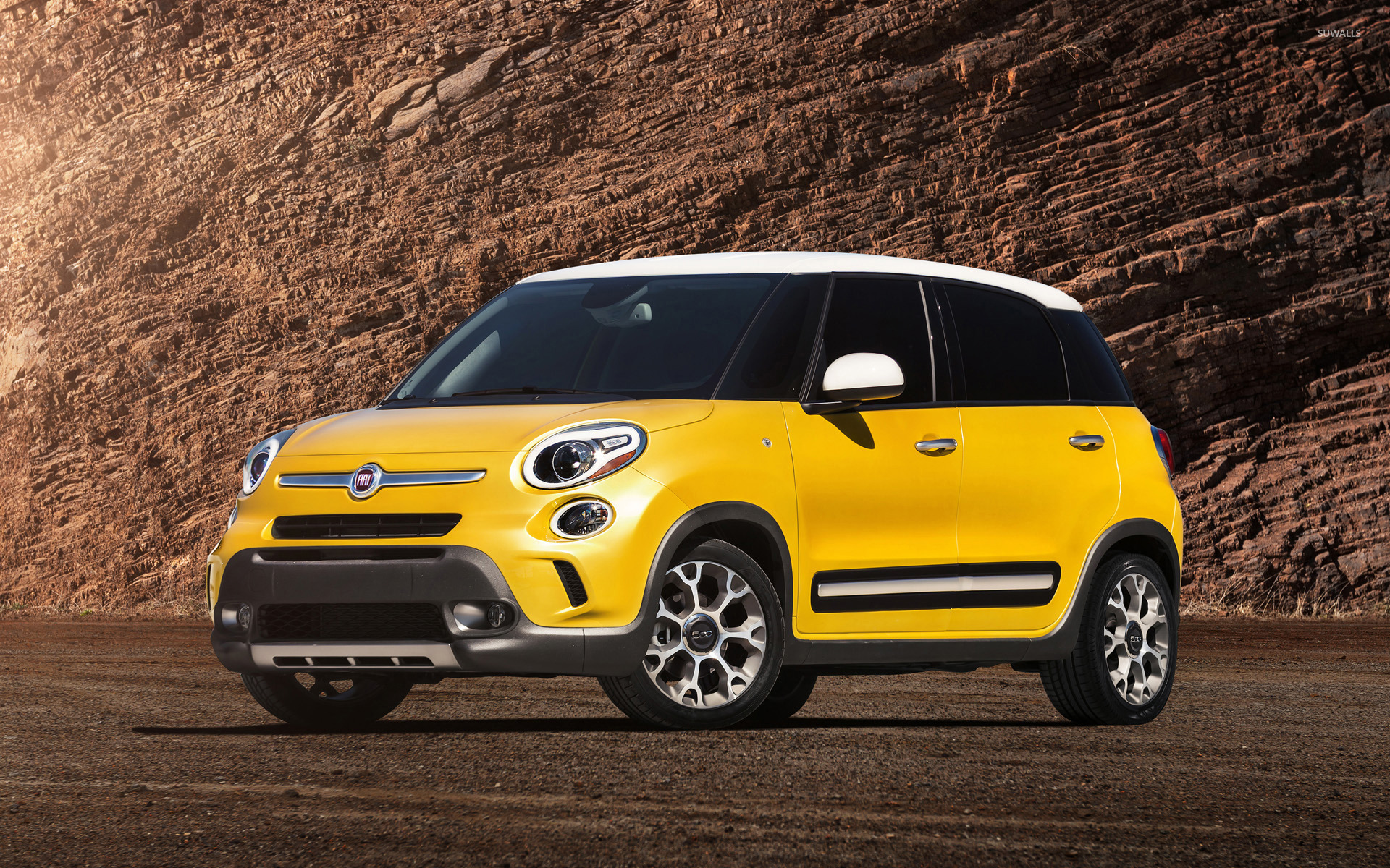 2014 fiat 500l trekking 2 wallpaper car wallpapers. Black Bedroom Furniture Sets. Home Design Ideas