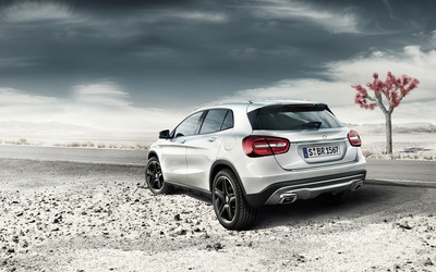 2014 Mercedes-Benz GLA [2] wallpaper