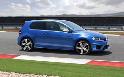 2014 Volkswagen Golf R [3] wallpaper