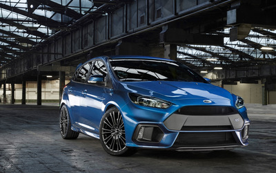 2015 Blue Ford Focus RS front view wallpaper