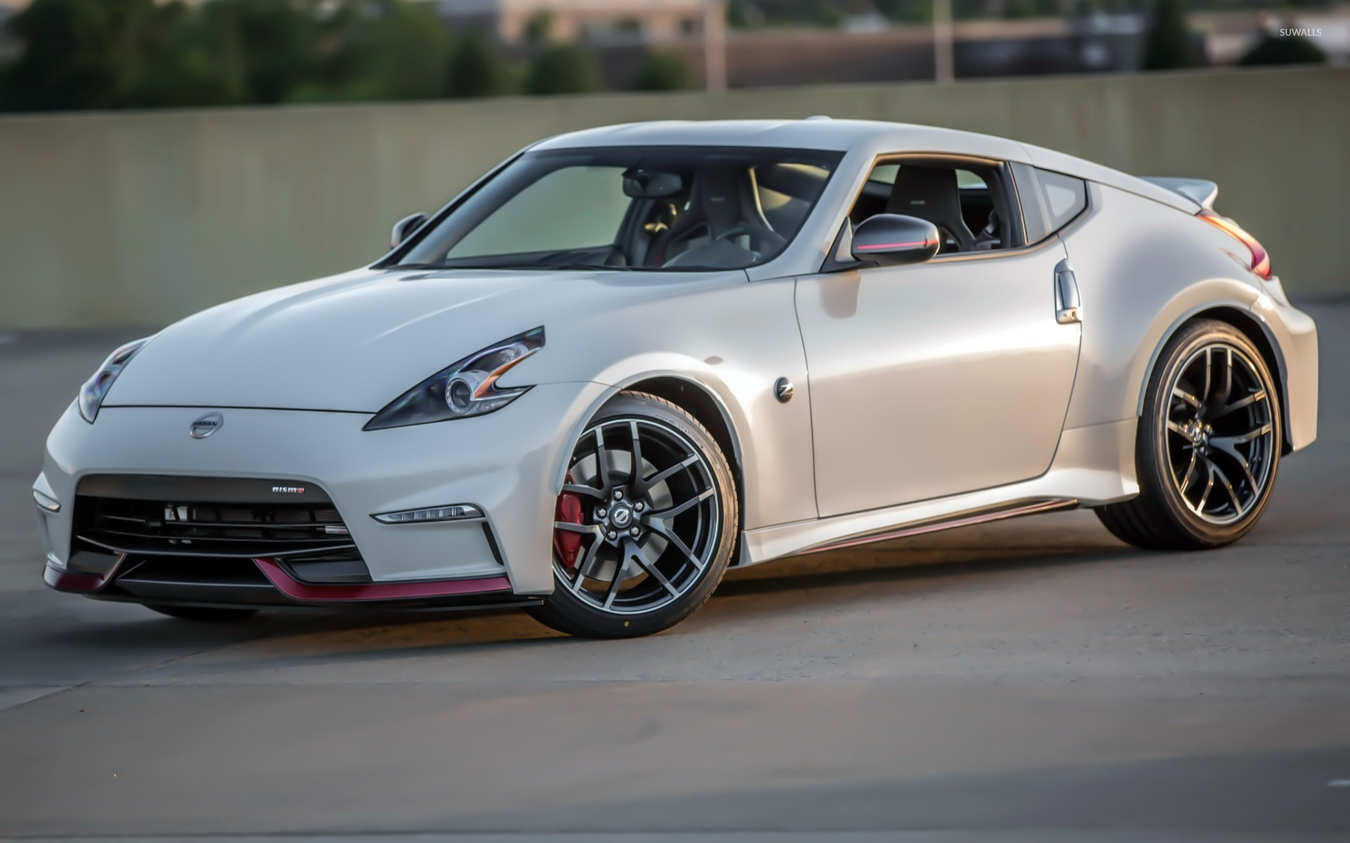 2015 Nissan 370Z Side View Wallpaper
