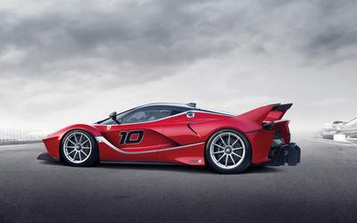 2015 Red Ferrari FXX side view wallpaper