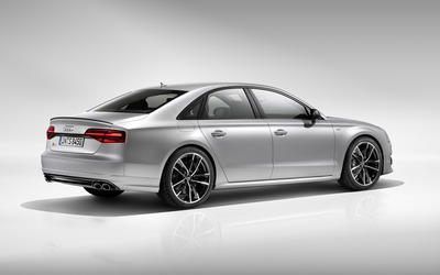 2016 Audi S8 back side view wallpaper