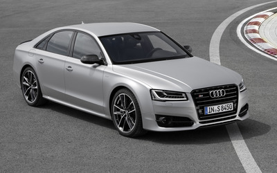 2016 Audi S8 front view on a racing track wallpaper